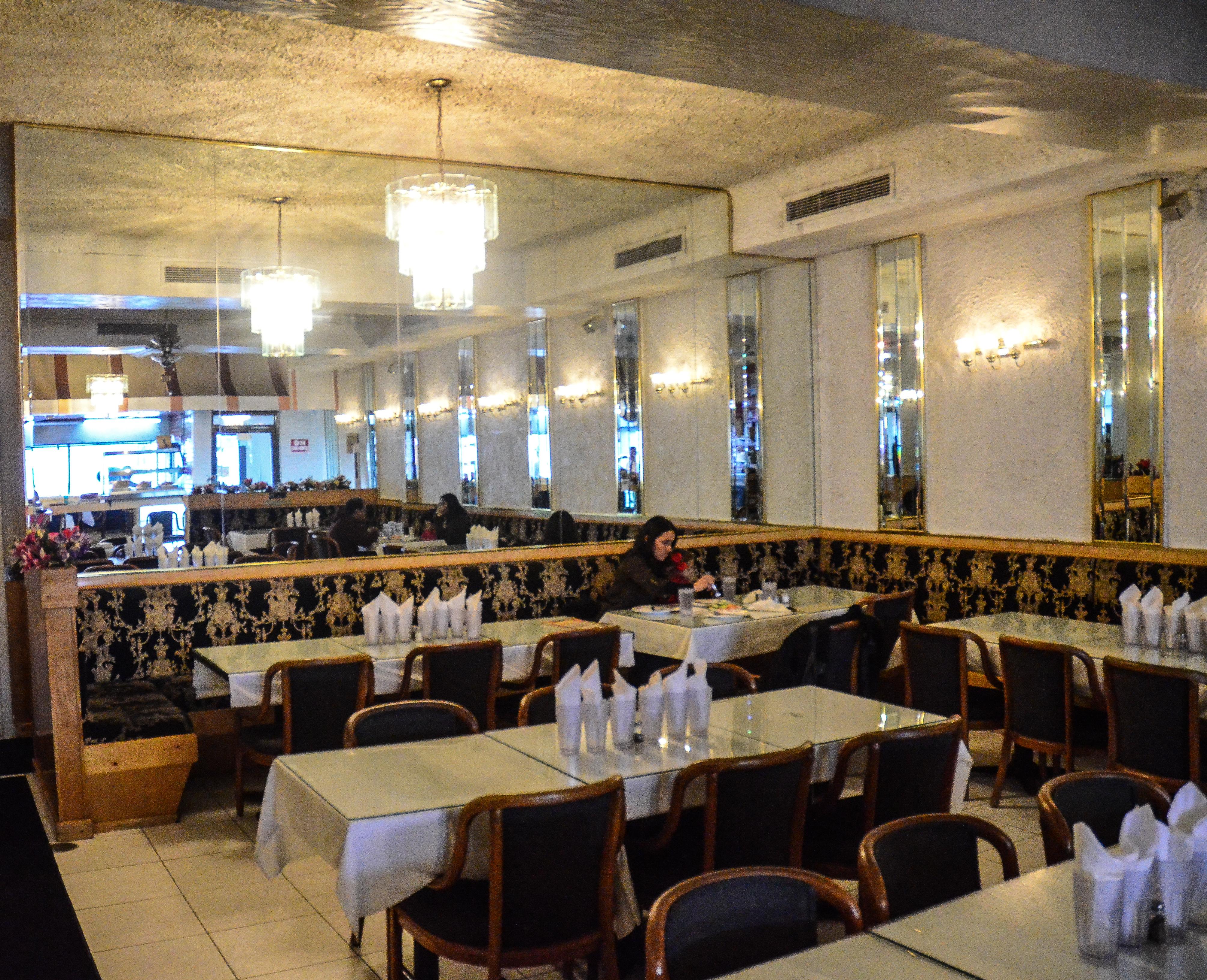 Indian pakistani restaurant devon ave chicago charlie billups