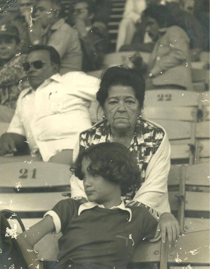 Tata y Bonnie en la Serie del Caribe 1976 en Caracas Venezuela!